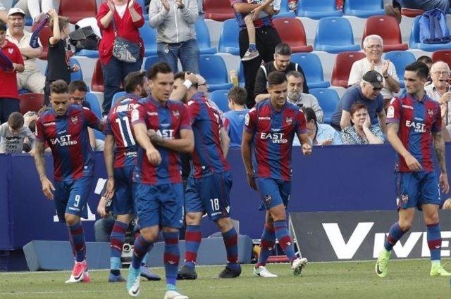 El Levante tras ganar al Girona en la Liga 123