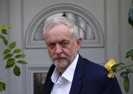 Los laboristas británicos recortan parte de la amplia ventaja que tienen los conservadores
