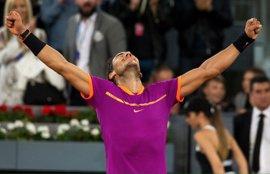 Tenis/Madrid.- Un Nadal enchufado invierte la historia contra Djokovic y se medirá a Thiem por el título