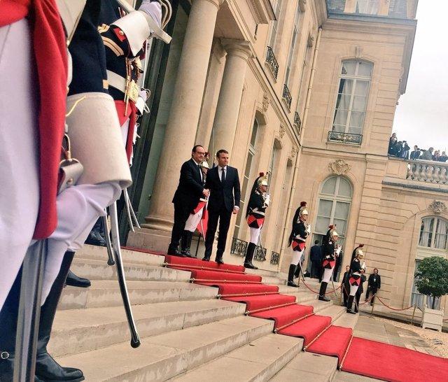 François Hollande y Emmanuel Macron en el Elíseo