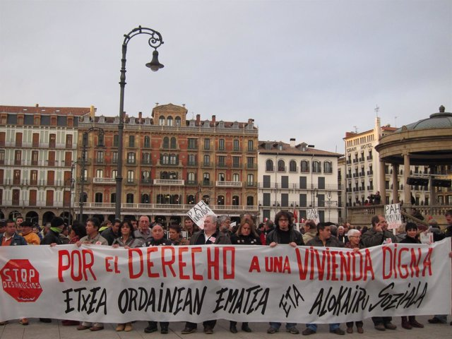 Manifestación contra los desahucios y por una vivienda digna.