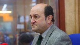 """Ortuzar dice que el acuerdo con el Gobierno del PP es """"bueno para Euskadi"""" porque """"gana"""" en soberanía y territorialidad"""