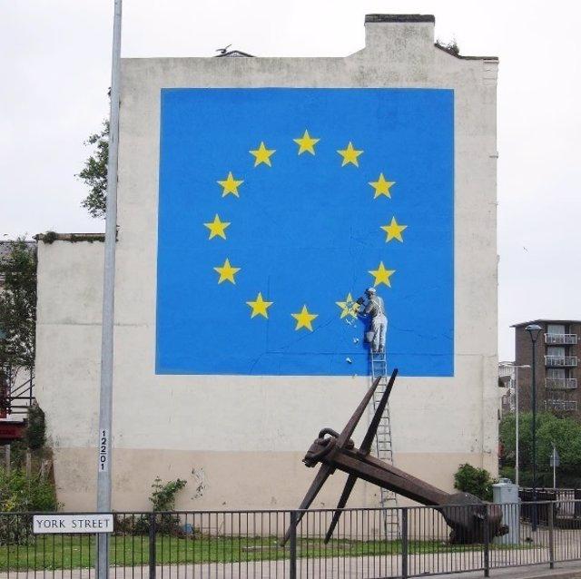 Nueva obra de Bnksy en Dover clamando contra el Brexit