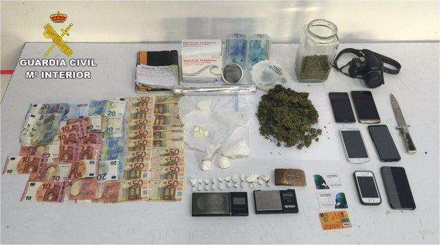 Preparaban y vendían la droga en presencia de sus hijos