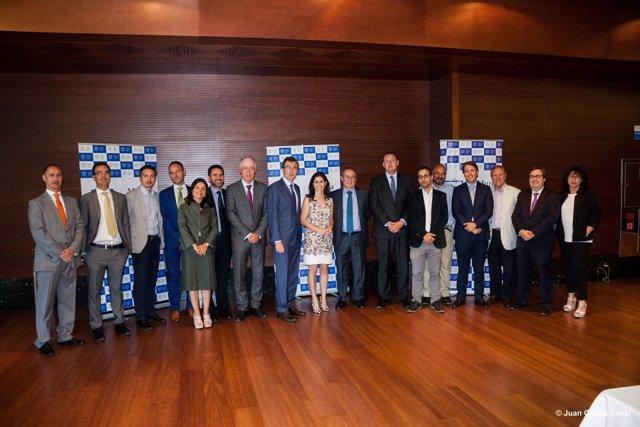 José Ballesta con a los miembros de Murcia Seniors Club-MSC