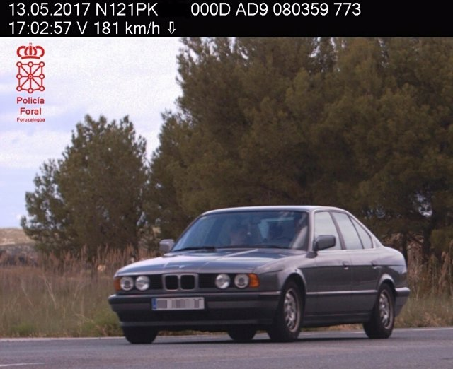Vehículo multado por circular a 181 km/h