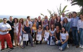 Almuñécar (Granada) se promociona como destino de turismo educacional ante agentes de viaje de Reino Unido