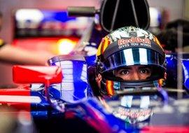 """Sainz: """"Es frustrante no poder adelantar a coches que llevan el motor del año pasado"""""""