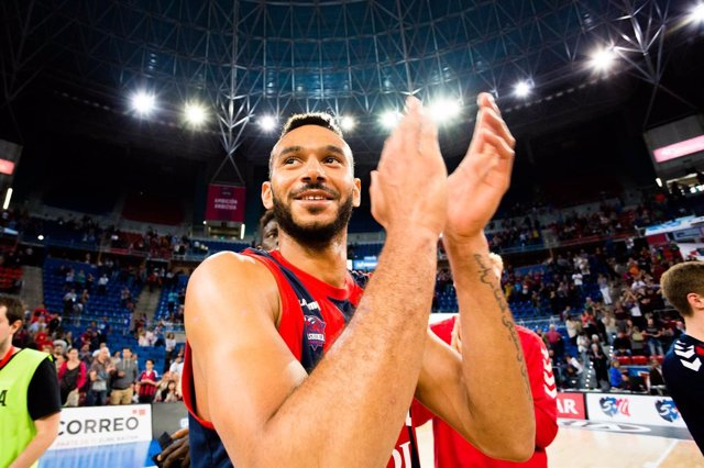 Adam Hanga (Baskonia)