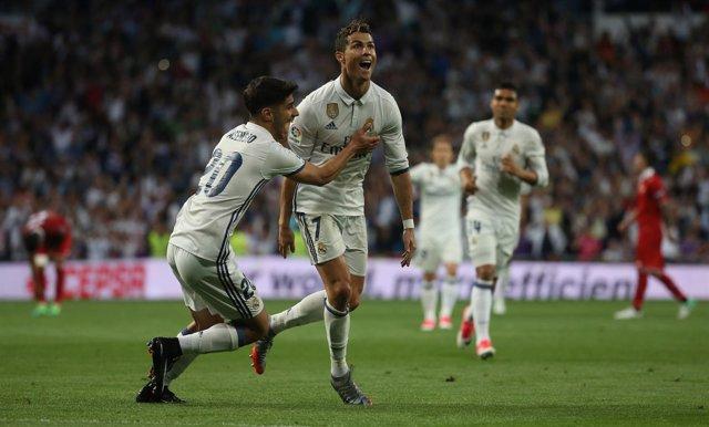 El Real Madrid acaricia LaLiga tras aplastar al Sevilla