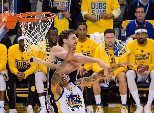 Pau Gasol en el San Antonio Spurs - Golden State Warriors