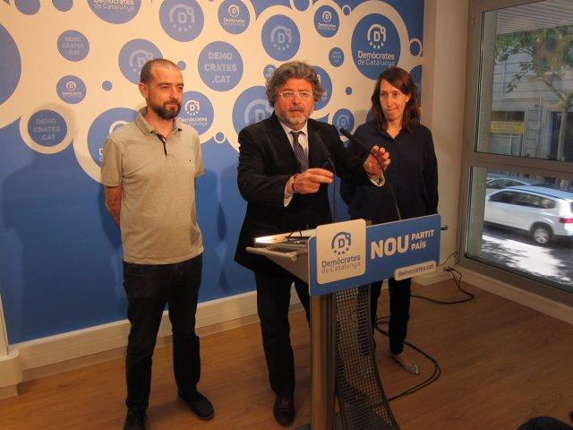 Concejal G.Ardanuy, diputados A.Castellà y T.Laïlla (Demòcrates)