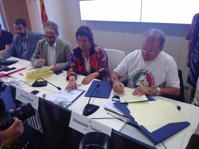 La consellera D.Bassa firma el acuerdo de Renta Garantizada de Ciudadanía