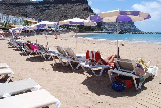 Prohibido El Baño En Playa De Mogán Temporalmente Por Un Vertido De Aguas Residu