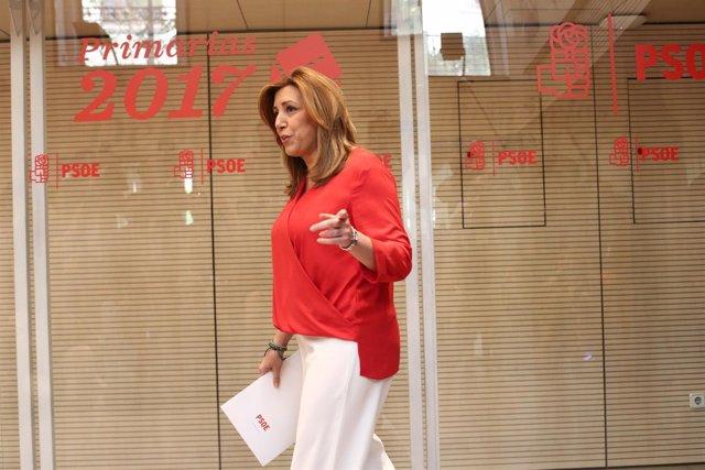 Susana Díaz antes del inicio del debate del PSOE