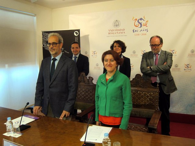 Salamanca:  el rector y Mercedes García