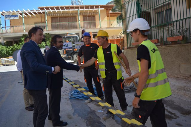 Pedro Rivera y Fulgencio Gil, durante la visita a las obras