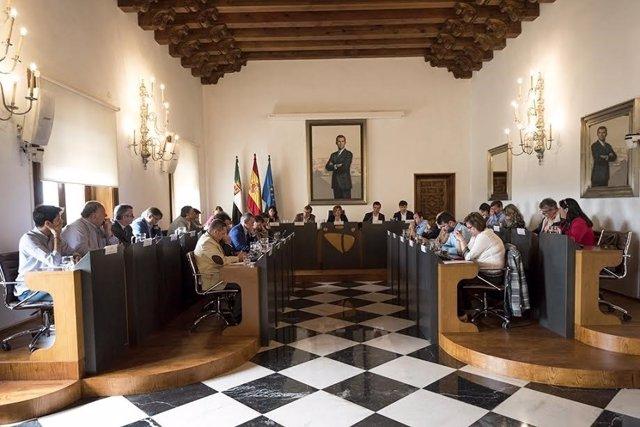 Pleno Extraordinario en la Diputación de Cáceres