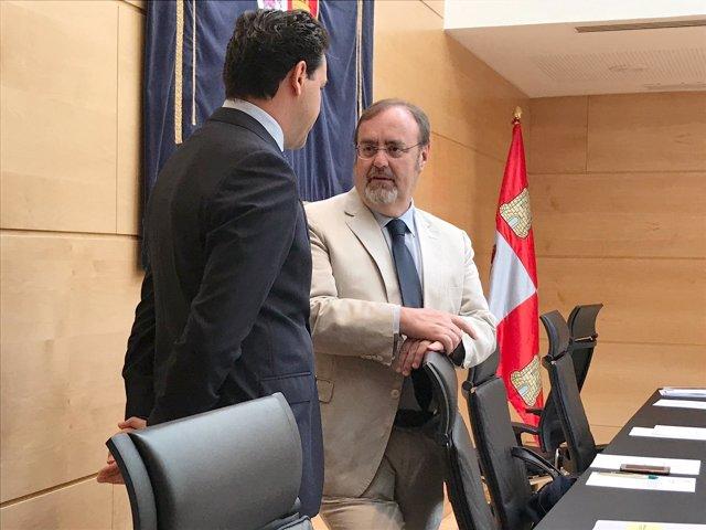 Fernando Rey conversa con Raúl de la Hoz