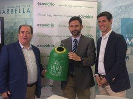 Impulsan un sistema para fomentar el reciclado del vidrio entre los establecimientos de Marbella