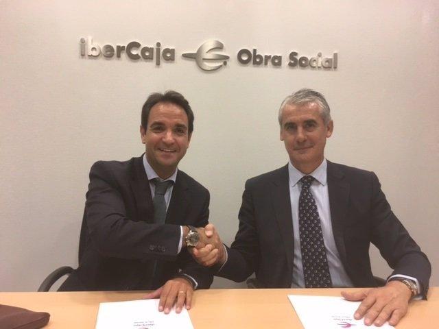Sangó y Sánchez, tras firmar el acuerdo entre ambas entidades