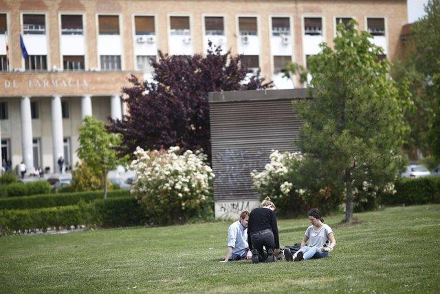 Universidad, alumnos, estudiantes, estudios, matrícula, universitarios, clases