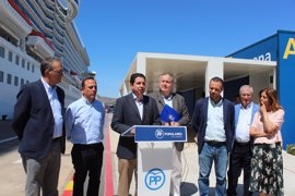 """Bernabé destaca que """"más de un millón de cruceristas han llegado a Cartagena en la última década"""""""