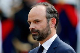 """Philippe, """"un hombre de la derecha"""", promete trabajar por """"el interés general"""" como primer ministro"""