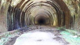 El Parlamento pide por unanimidad la creación de un consorcio para recuperar el túnel de La Engaña