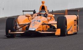 Alonso debuta en la Indy a medio segundo de los mejores