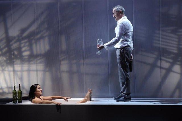 """Escena de la obra """"Milagro"""" de Tranvía Teatro"""