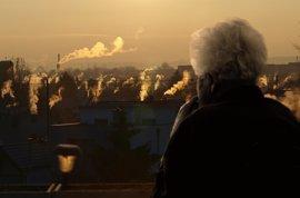 Los mayores se vuelven más frágiles por los contaminantes ambientales