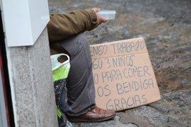 El 28% de las familias madrileñas está en riesgo de pobreza y la mitad tiene dificultad para llegar a final de mes