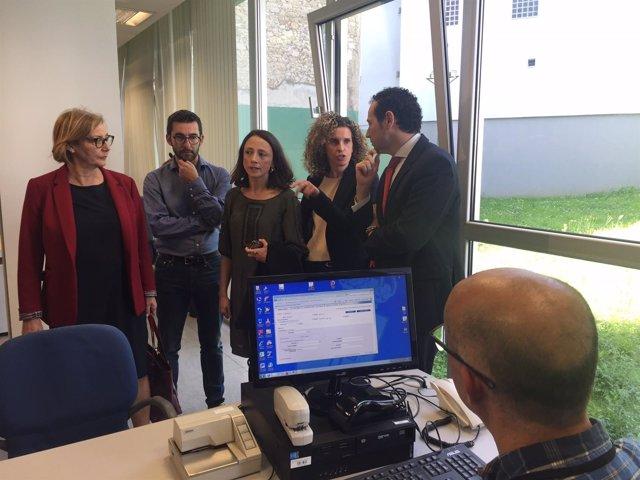 Np, Audios Y Foto Visita Consejero Presidencia A Oficina Servicio Atención Ciuda