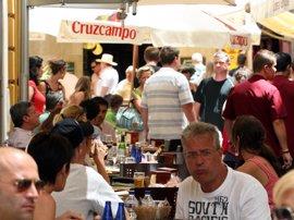 """""""Bloqueada"""" la negociación del nuevo convenio de hostelería, que abarca a """"más de 30.000 empleados"""" en Sevilla"""