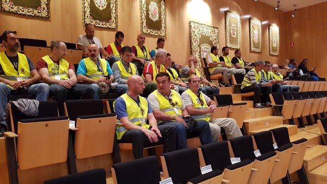 Bomberos en pleno de Diptuación de Málaga