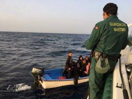 Ascienden a 18 los inmigrantes detenidos, tras encontrar una tercera patera en Mallorca