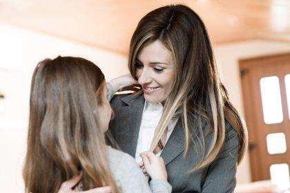 Madres y trabajadoras, los malabarismos de la conciliación