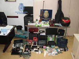 Detenidos cinco jóvenes por 45 robos con fuerza en Pontevedra