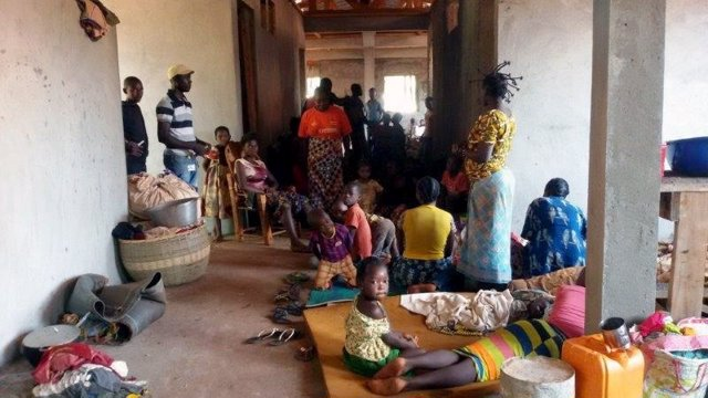 Residentes de Bangassou refugiados en el hospital de MSF