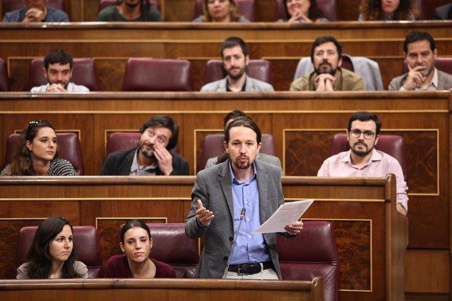 Pablo Iglesias y diputados de Unidos Podemos