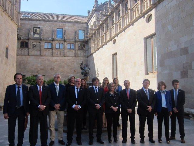 El pte.C.Puigdemont con rectores de la UPF, UdL, UdG y URV