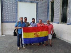 """Foro por la Memoria denuncia al alcalde de Algeciras por """"impedir"""" exhibir una bandera republicana"""
