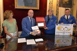 El alcalde de Antequera recibe a la comisión evaluadora de la candidatura a Ciudad Europea del Deporte 2018