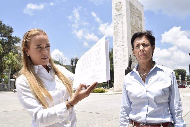 Lilian Tintori denuncia al director de la cárcel de Ramo Verde