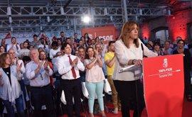 """Susana Díaz garantiza que unirá al PSOE """"con generosidad"""" y asegura que """"la socialdemocracia no está en crisis"""""""