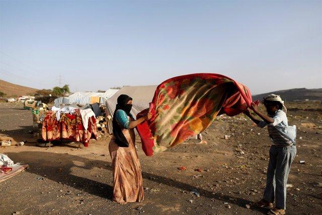 Campamento de desplazados cerca de Saná