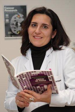 La doctora Marta Santisteban