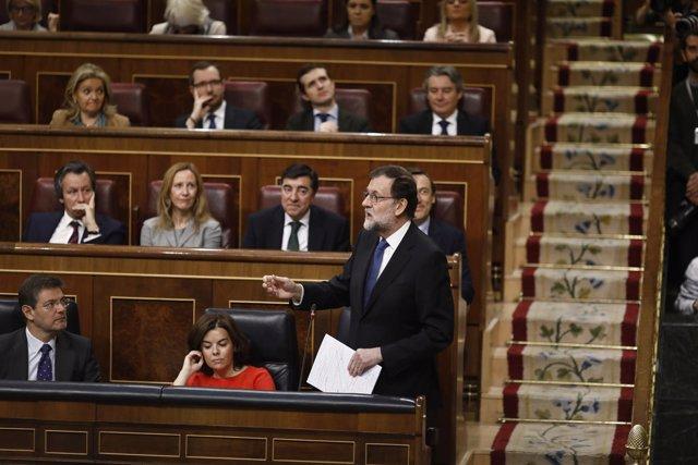 Mariano Rajoy, respondiendo en el hemiciclo