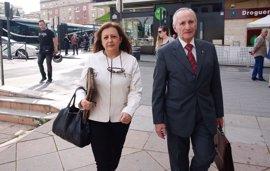 """Villafranca llega """"tranquila"""" y """"deseando declarar"""" por el caso de las audioguías de la Alhambra"""